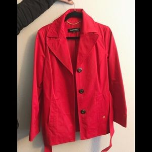 Ellen Tracy trench coat size m